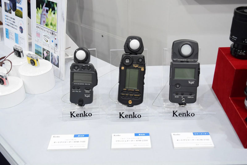 And the corner was completed with Kenko Flash Meters and Kenko Color Meter, two indispensable allies to select the best exposure values during your shooting sections.